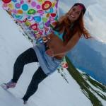Maruška v plavkách na sněhu