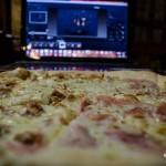 Pizza při práci