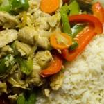 Kuřecí kousky se zeleninou a rýží