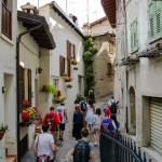 Ulička v Limone sul Garda, Italy