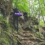 Těžká cesta po skalách