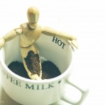 Mužíček v kávě