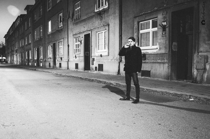 Cesta osamělou ulicí