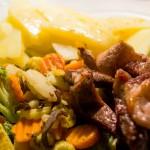Masíčko v provensálském koření se zeleninou a brambory