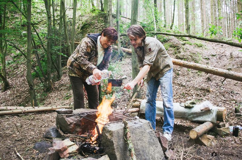 Chystáme kávu na ohni