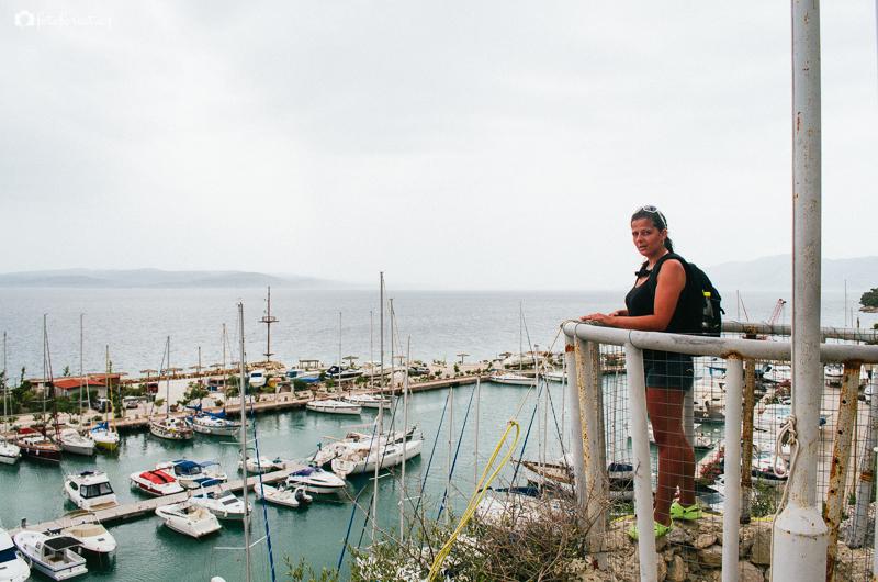 Vyhlídka na přístav v Krvavici