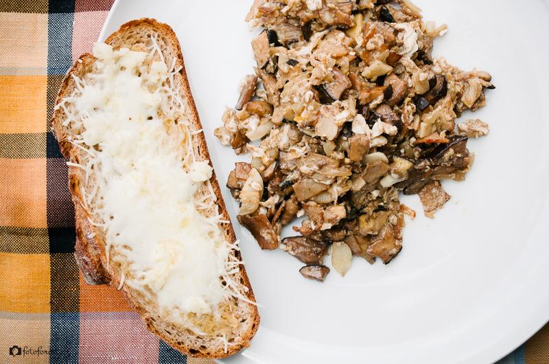 Smaženice s chlebem