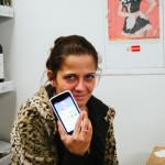 Klára s novým telefonem