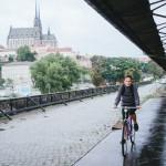 Na kole za deště