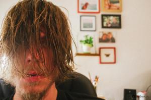 Mám dlouhý vlasy