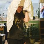 Vyrábíme oblek Ku-klux klanu