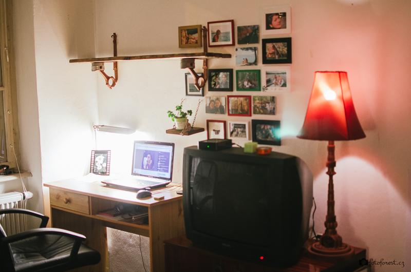 Originální dárek - ručně vyrobená polička a lampička