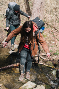 Přechod přes potok