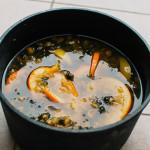 Vaření pampeliškového sirupu/medu
