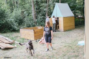 Stavění tábora v Borači