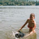 Na psí pláži na přehradě Brno