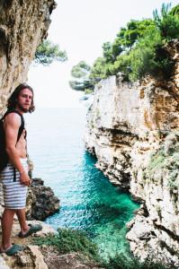 Skalnatá zátoka v Chorvatku, Pula