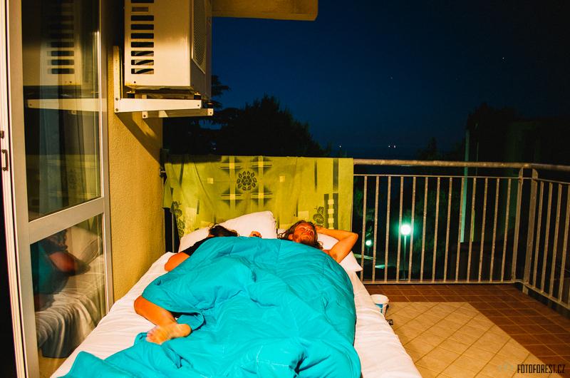 Spaní na terase v Chorvatsku