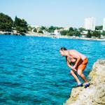 Skákání do moře