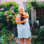 30-8-2015-babicka-s-rozarkou