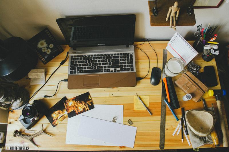 Pracovní stůl fotografa