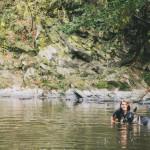 Deniska v řece