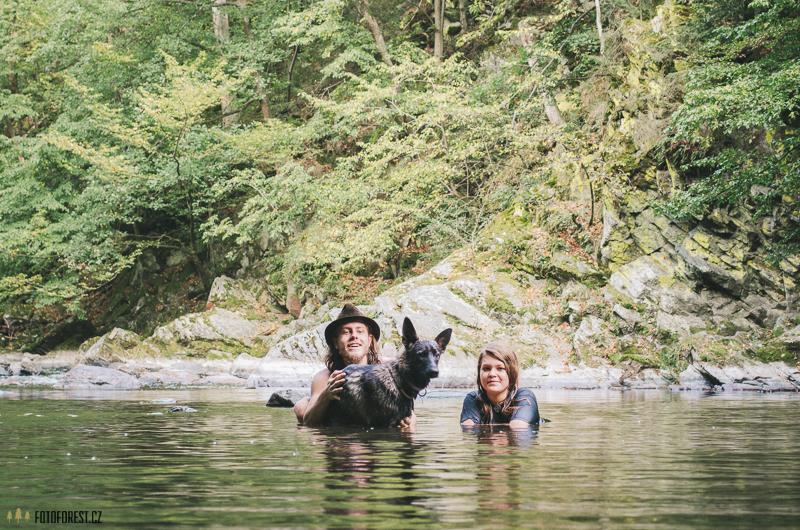 S Deniskou v řece