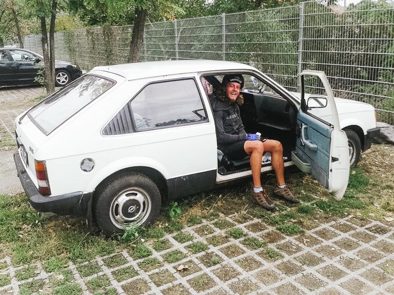 Auto na předměstí Vídně
