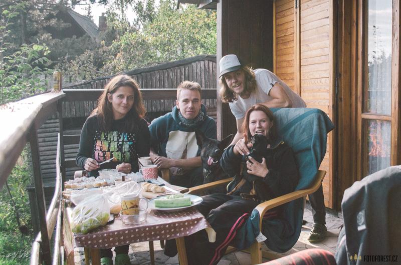 Na chatě s přáteli