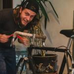 Výroba kožených řidítek na kolo