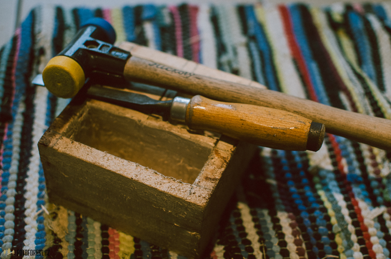 Výroba dřevěného stojanu na tužky