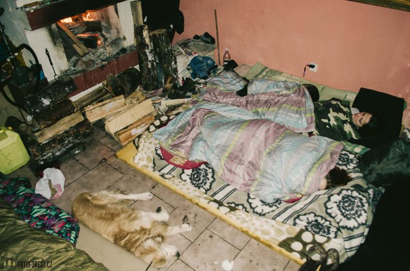 Spaní v chalupě