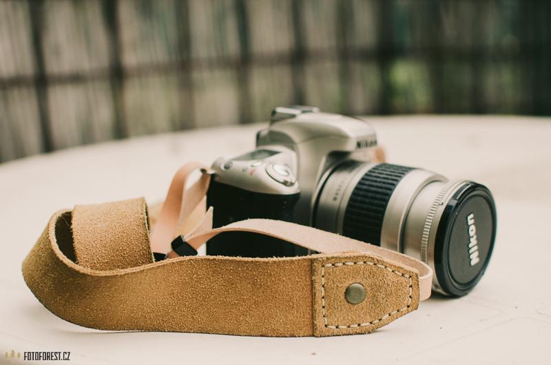 Kožený popruh k foťáku