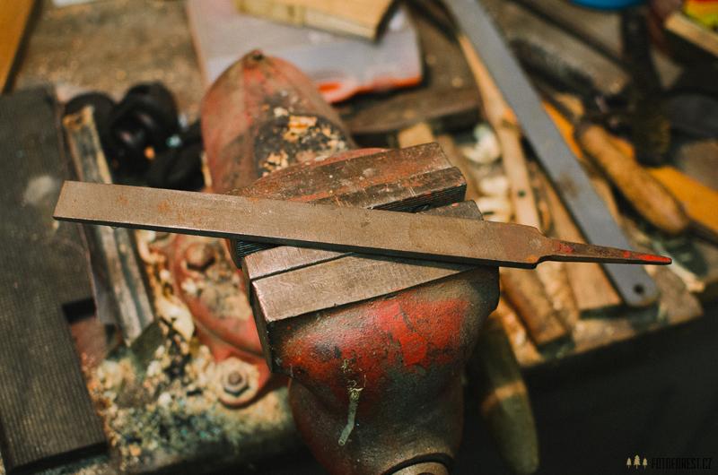 Práce na prvním vlastním noži