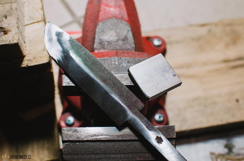 Výroba prvního nože
