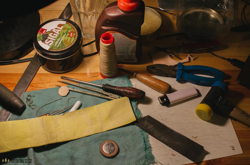 Výroba koženého náramku