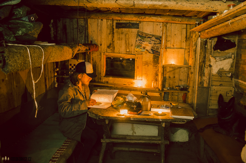Srub Černá Loď v Borači