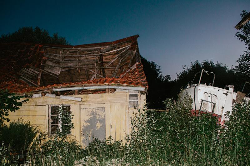 Spaní na opuštěné farmě v Norsku