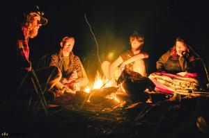 Guláš nad ohněm