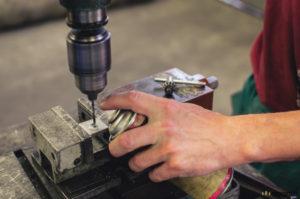Výroba záštity nože
