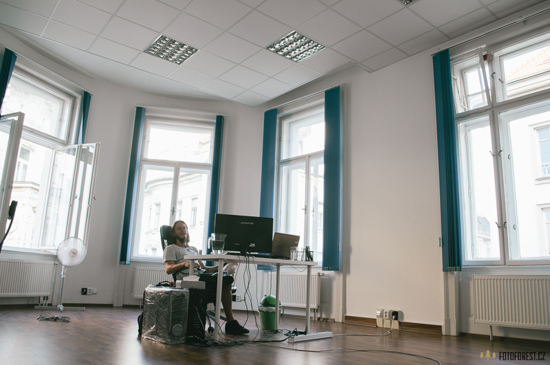 Forest v kanceláři