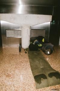 SPaní na letišti v Madridu