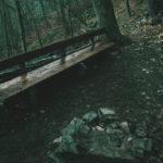 Nová lavička u srubu na Oslavce